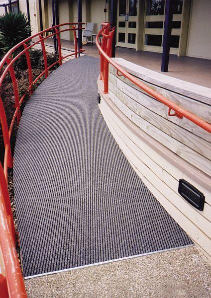 Decord-Marine-Carpet-School-Ramp