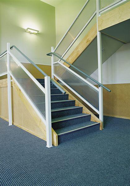 Decord-Marine-Carpet-Tawa-Stairs