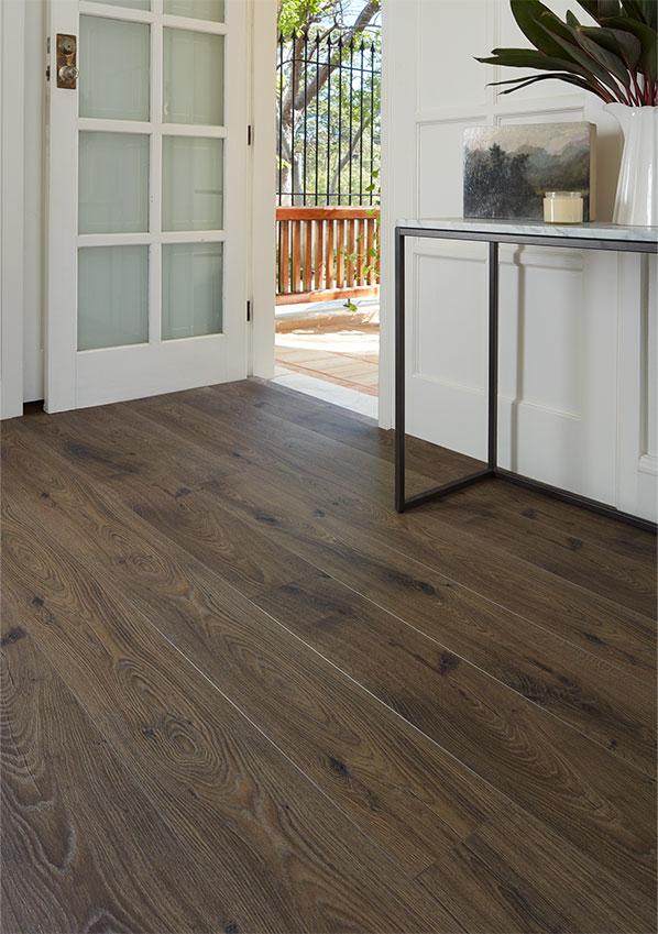 Oakleaf-8mm flooring